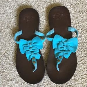Hollister sandals size 6